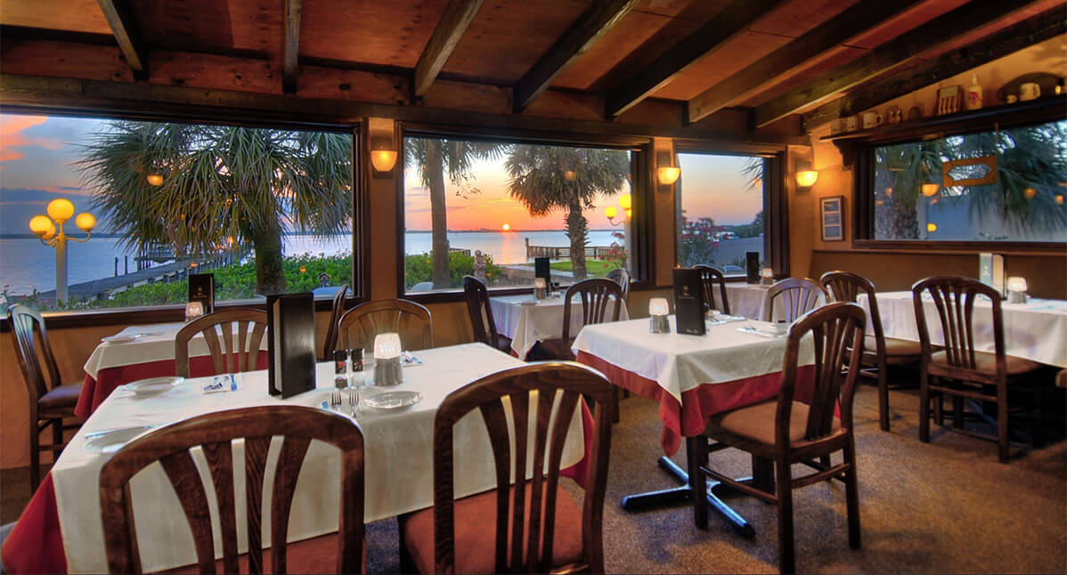 Cafe Coconut Cove Restaurant - Melbourne Beach, FL