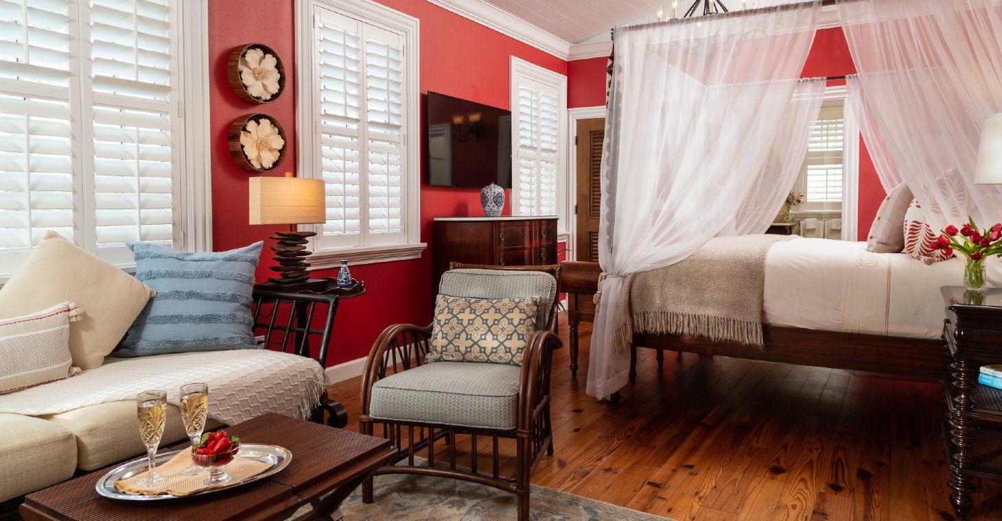 romantic guest room at Port d'Hiver