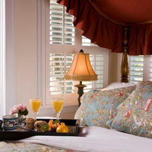 Dianne room breakfast in bed