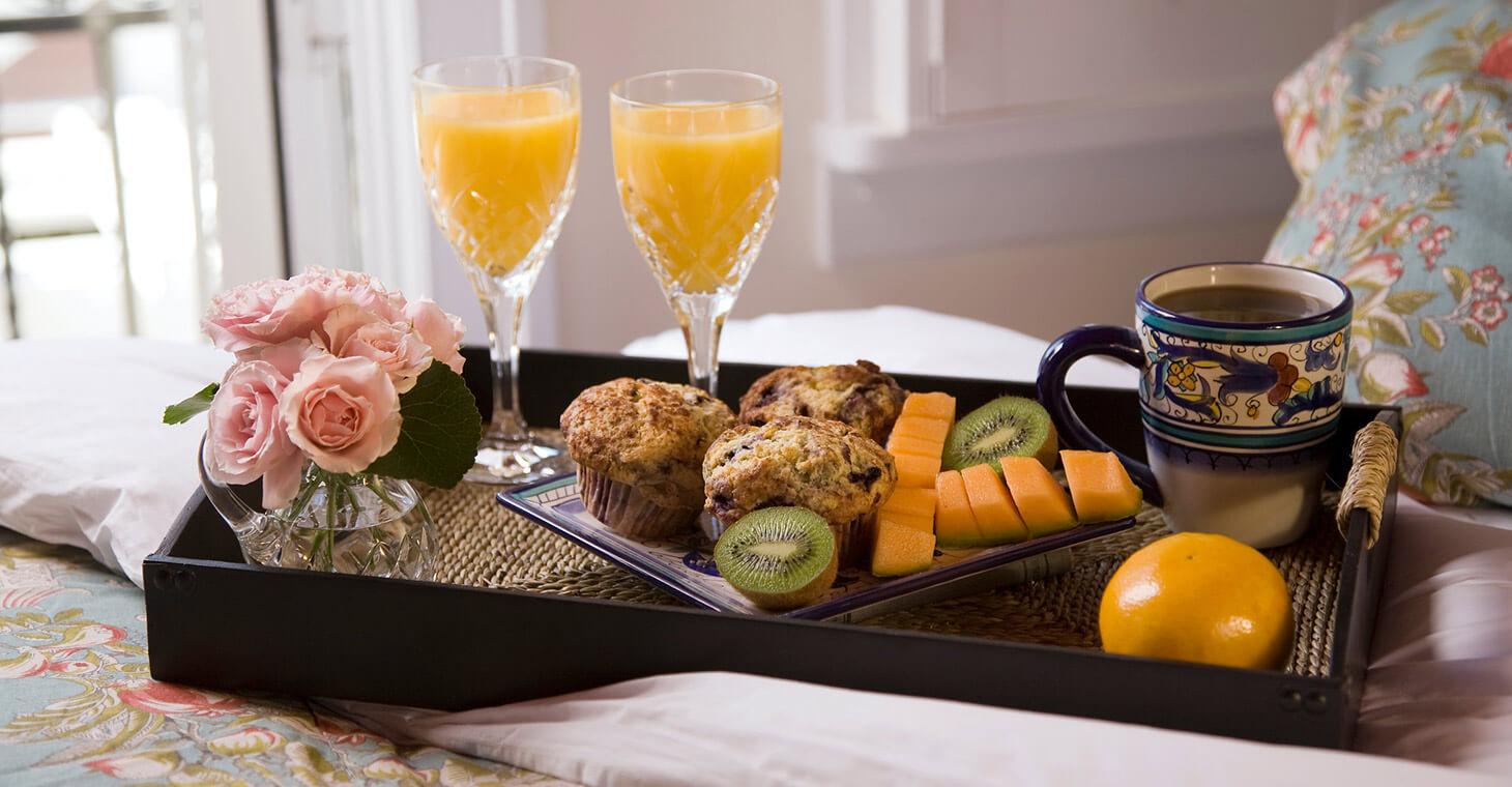 Breakfast food tray