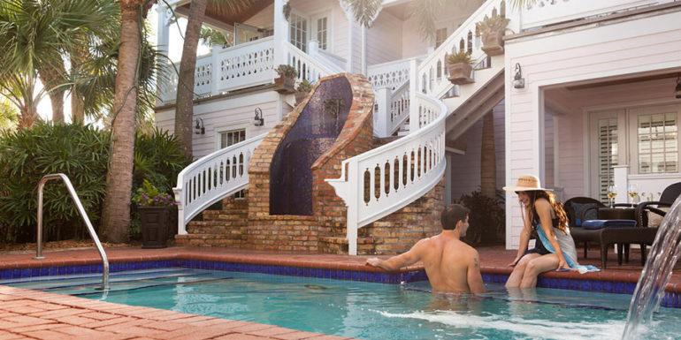 Florida honeymoon couple at the pool