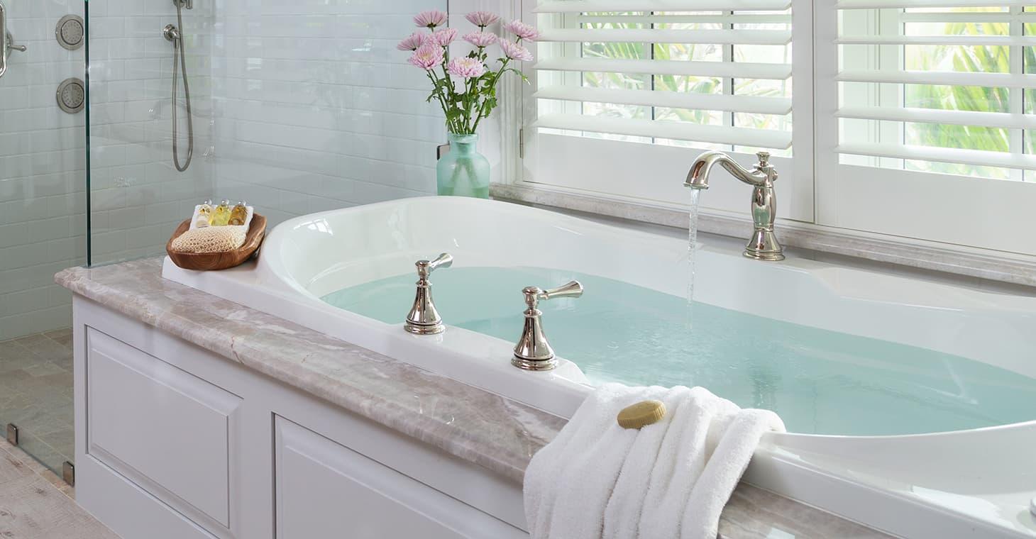 Charlotte Room spa bath