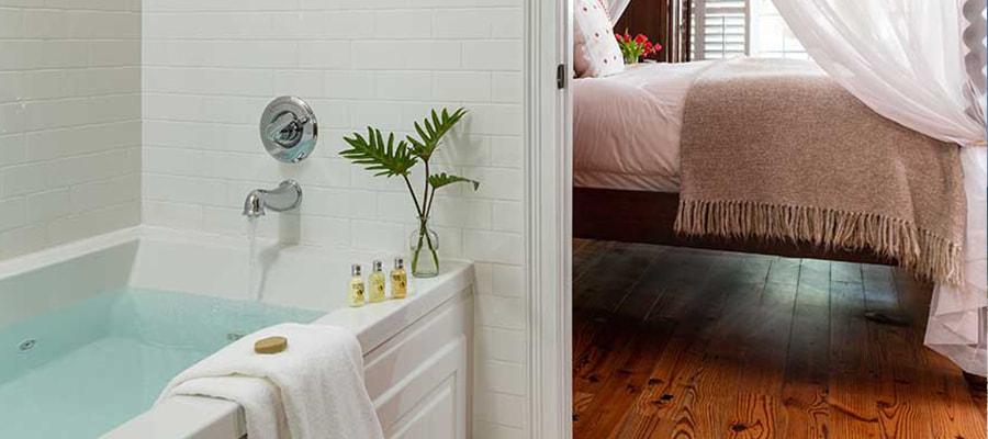 Windward Room bath & bed