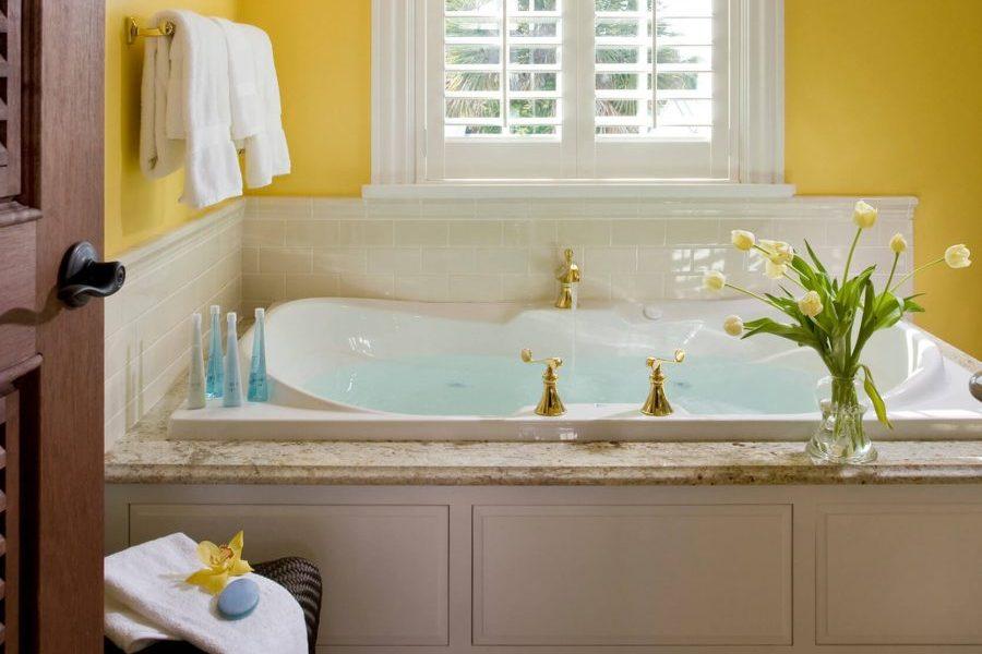 the yellow room bathtub